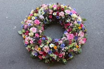 Blütenkranz in Sommerfarben