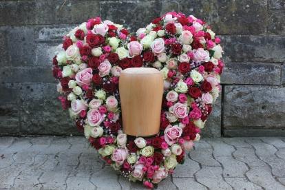 Rosenherz für Urne